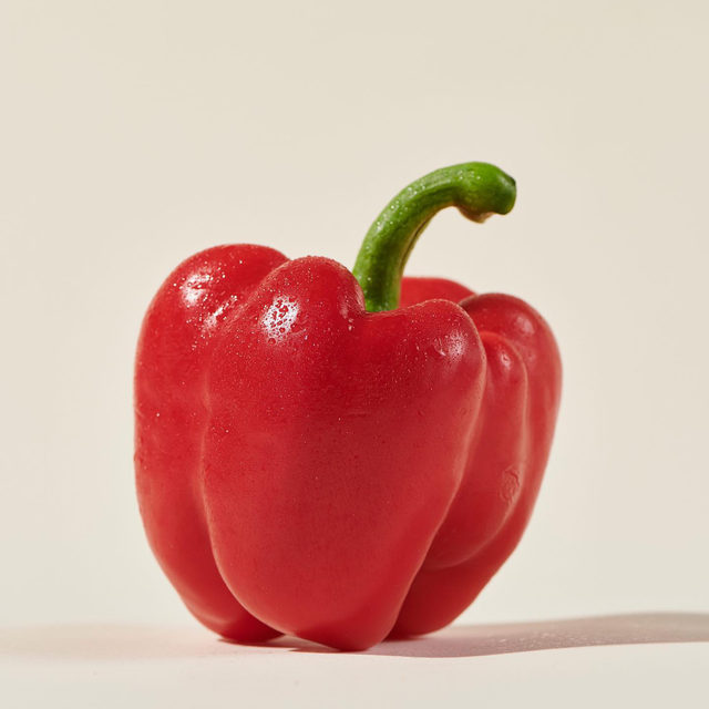 True or false, bell peppers of all colors start out as green — which just so happens to be our favorite color. Share your guess in the comments, then tune into Open Source: Peppers tomorrow for more pepper facts + an inside look into the Amish-run cooperative that grows our peppers on the east coast.