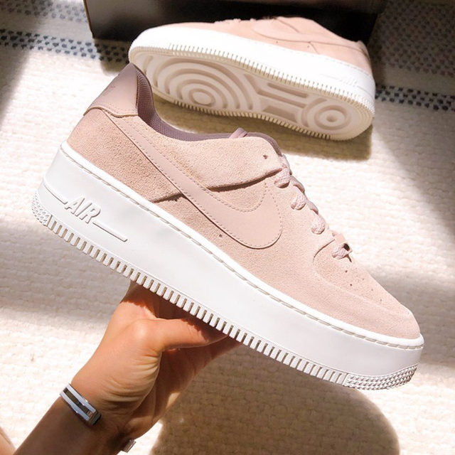 Think pink. 💭 Tap our link in bio to snag your pair from @ayasrack! #nikeairforce1