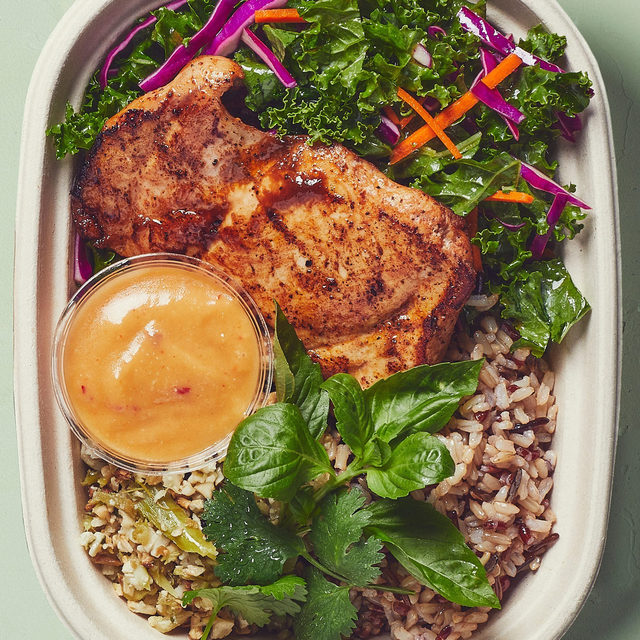 We're big on bowls — but have you tried our plates? These dinner-y dishes are warm, saucy, and full of that home-y feeling. They're good for whenever-time, too — like this Miso Chicken + Cauli Rice, feat. nutty wild rice (it's protein-rich, too!), crunchy kale-cabbage slaw, all the herbs, and our umami-sweet miso sesame ginger dressing. Who's hungry?