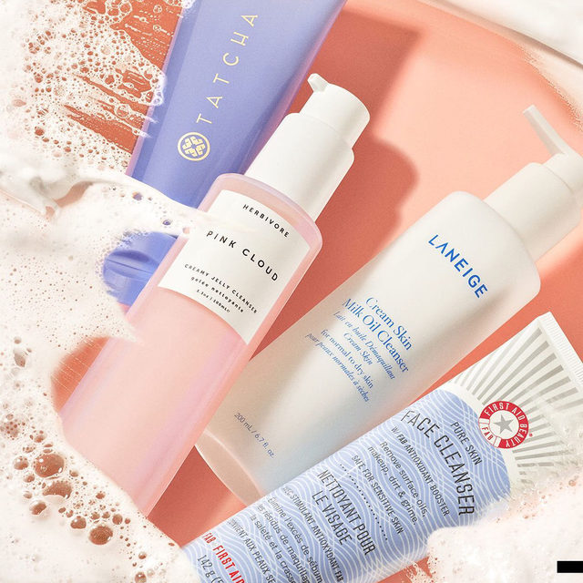 These creamy cleansers do it all: From removing makeup and excess oil to keeping skin feeling plump and hydrated, they're bringing out our inner glow ✨  … @firstaidbeauty @tatcha @laneige_us @herbivore