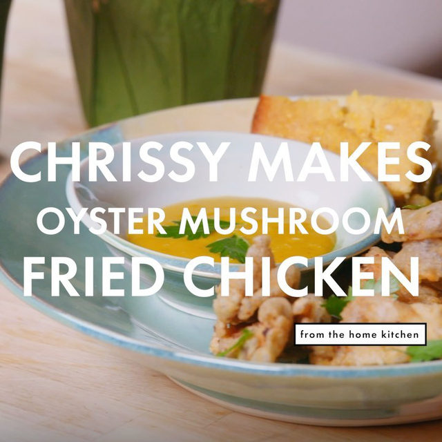 Chrissy Tracey (@eatwithchrissy) is a vegan chef and entrepreneur based in Connecticut who loves to turn classics and comfort food we all know and love vegan. On her first episode of From The Home Kitchen, she's teaching us how to make the cornbread she grew up eating at church, vegan collard greens, and crispy-crunchy fried oyster mushrooms made like fried chicken. Watch the full video on YouTube at the link in our bio.