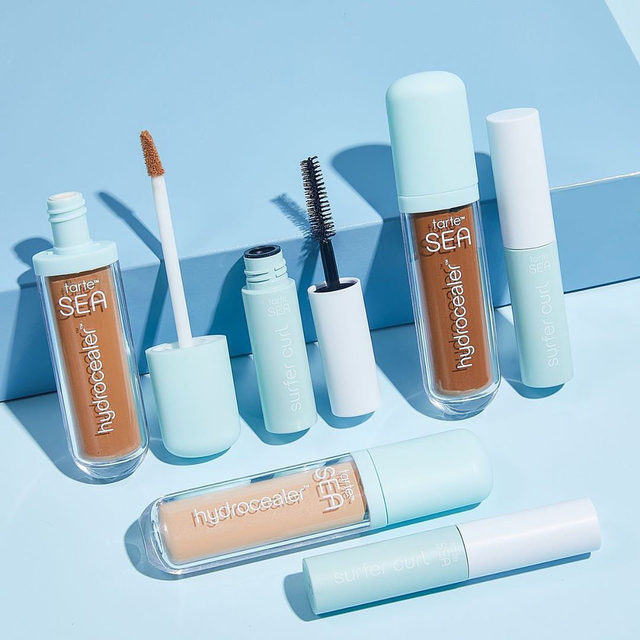 From our friends at @tartecosmetics: Our NEW limited-edition hydrocealer vegan concealer set comes with 2 natural-beauty-boosting faves for the price of just the concealer – the mascara is FREE! 🙌 Set includes: 💧 FULL-SIZE hydrocealer vegan concealer: hydroflex technology™ moves with your skin so it won't crease or settle into smile or laugh lines w/ 12-hr hydration 💧 travel-size surfer curl vegan volumizing mascara: sweatproof, flake-free & smudge-proof for natural, nourishing volume & curl Shop now at Sephora for only $24 USD (a $36 USD value).