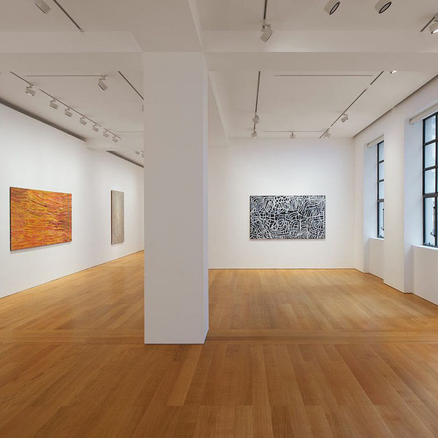 "#DesertPainters: ""Desert Painters of Australia: Two Generations"" is now on view at Gagosian, Hong Kong, through November 7. It is the third in a series of critically acclaimed exhibitions presented by the gallery, following New York and Los Angeles in 2019.  Organized in collaboration with D'Lan Davidson, a leading Melbourne-based consultant in the Indigenous Australian art market, this exhibition is designed to introduce the local audience for the first time to rare works by some of Australia's most renowned Indigenous artists from remote regions of the continent. The intergenerational selection includes the late Emily Kame Kngwarreye, Makinti Napanangka, and Bill ""Whiskey"" Tjapaltjarri, and living artists such as Yukultji Napangati, George Tjungurrayi, and Warlimpirrnga Tjapaltjarri. Follow the link in our bio to learn more. _________ #Gagosian Installation views, ""Desert Painters of Australia: Two Generations,"" Gagosian, Hong Kong, September 24–November 7, 2020. (1) Artwork, left to right: © Emily Kame Kng"