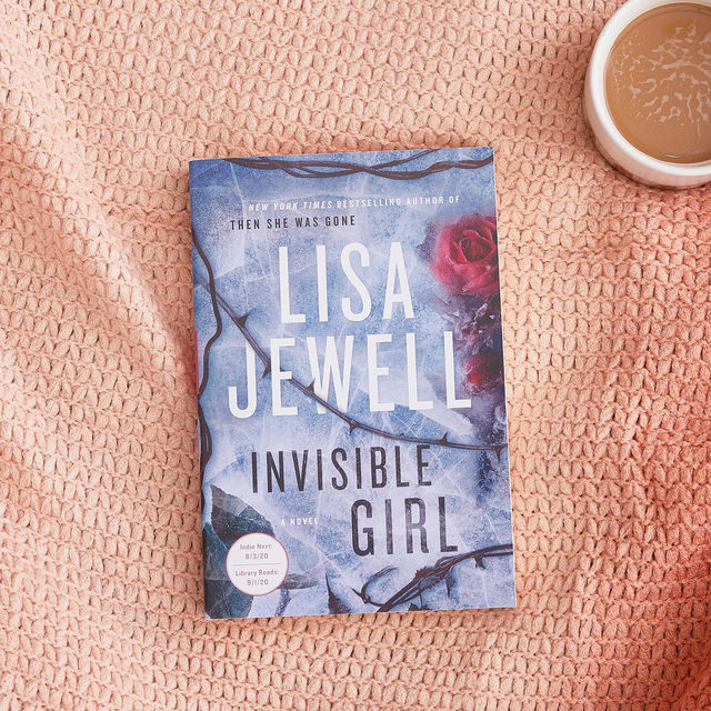Calling all book worms 📚 🐛 Our Fall 2020 Book Club is about to get started! This season's pick is Invisible Girl by @lisajewelluk, a brand new thriller that's perfect for spooky season. Make sure you're caught up by the dates below and check out the Community for a deep-dive video discussion with the author and #FabFitFun Co-Founder @katieakitchens. Head to the link in our bio for more info. Happy reading!  Reading Schedule: Segment 1 (chapters 1-20) by Oct. 27th  Segment 2 (chapters 21-40) by Nov. 3rd Segment 3 (chapters 41-61) by Nov. 10th