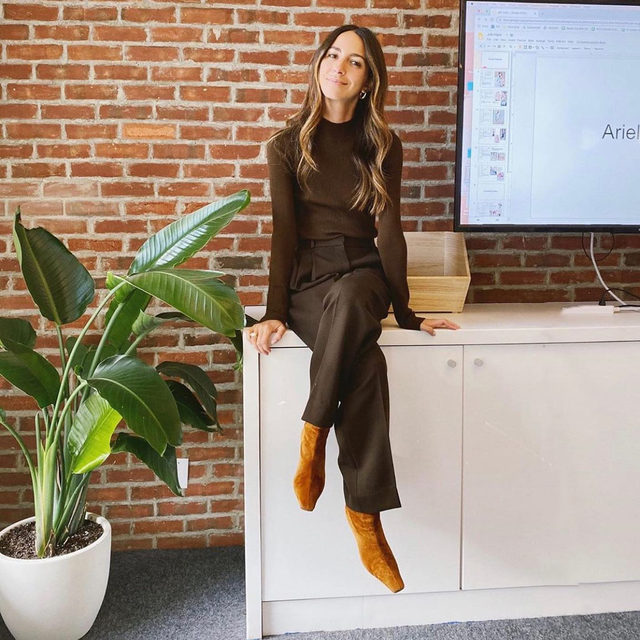 In honor of #NationalBossDay we asked our #girlboss @ariellecharnas to share a few things she's learned from being a boss over the past couple of years 💼 #linkinbio