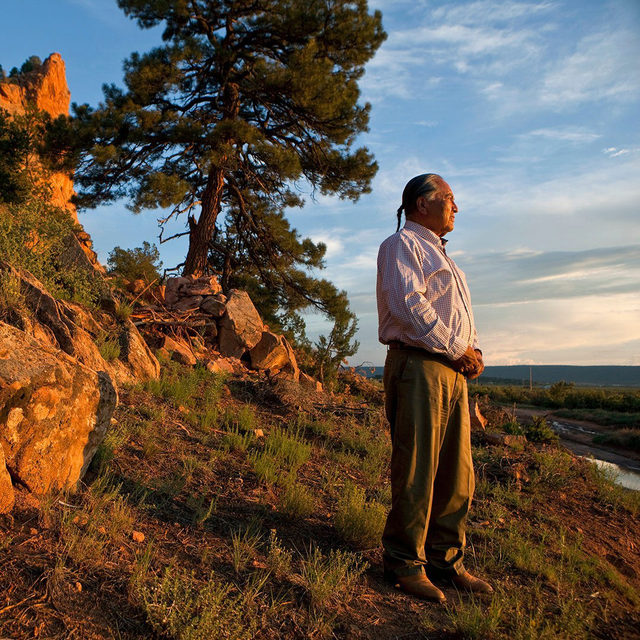 """Herb Yazzie recalls the days when he could graze his herds of cattle and sheep across his homelands in the northeastern Arizona region of the Navajo Nation, between sandstone bluffs and shadowy canyons. But in recent years, the watering holes the animals relied on dried up. Like other tribal members, Yazzie blames the Black Mesa coal mine, which operated on Hopi and Navajo land for nearly half a century, until 2005. Throughout its lifetime, Peabody Energy, the mine's owner, pumped some 45 billion gallons of groundwater to transport the coal through a pipeline as a mixture called ""slurry"" to a generating station in southern Nevada. The underground aquifer shrank and shrank.""   In 2019, after nearly 50 years of operation, and facing increased competition from renewable energy sources, @peabodyenergy finally shut down the Kayenta coal mine. Reclamation has yet to follow. ⤵️  Navajo and Hopi tribal members had hoped the cleanup of the Kayenta Mine would offer new jobs—replacing hundreds that were lost with the c"