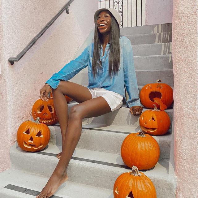 Hey, Pumpkin 🎃 @candicenikeia wears our Two Pocket Button Down + Button Side Short. #heydahl