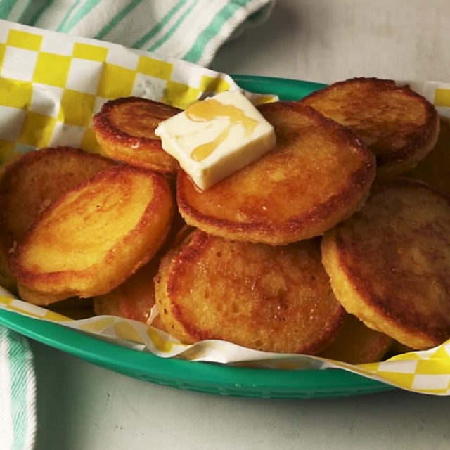 Fried Cornbread is unlike anything you've ever had before. Full recipe in bio. 🔎Fried Cornbread 🎥/🍴@laurarege