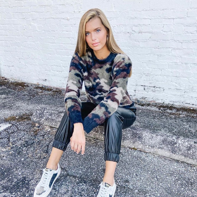 Can't get enough camo! @maggie_beasley in our Crew Neck Sweater. Link in bio. #heydahl