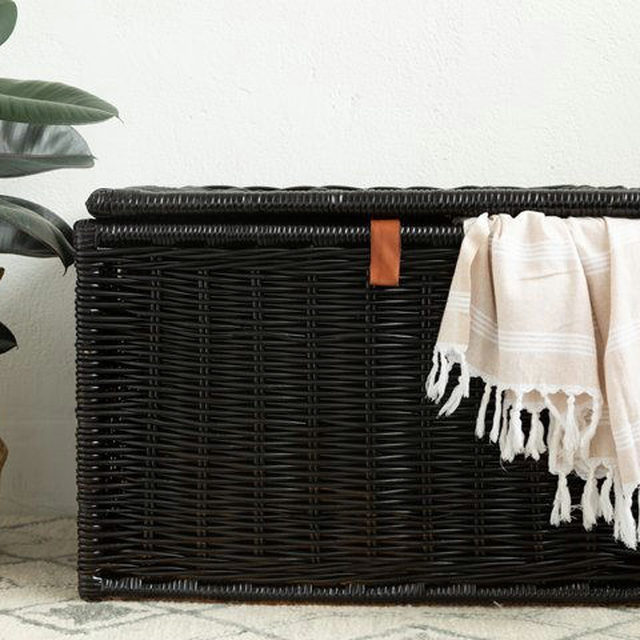 Need a DIY project to keep busy during stressful times? Head to the link in our bio for an easy tutorial on how to paint wicker. #DIYinaDay (📷:@aliceandlois)