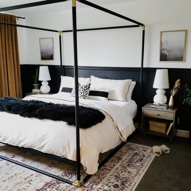 Glamorous meets cozy in this two-toned bedroom with a statement four-poster bed. (📷 submitted by @craven_haven)