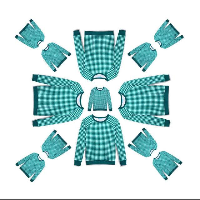 Our best-selling Natalie Sweatshirt is looking festive in a new holiday green colorway🌲✅💚 #djlovesgingham #draperjamesathome