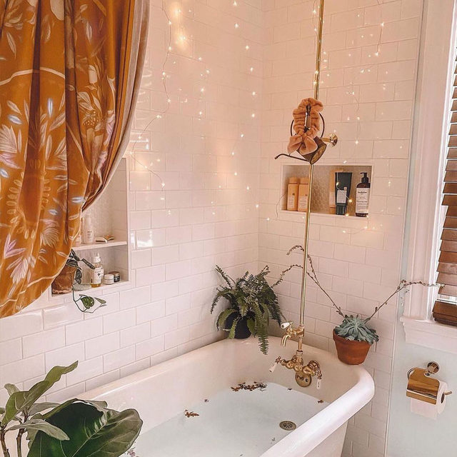 It's never a bad time for a bath. Thanks for the reminder, @indies_hippie_home. #UOHome