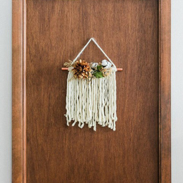 While we may not be having a big Thanksgiving dinner this year, we still love some good holiday season DIYs! Try this chic door hanging as a fun group Zoom project. #DIYinaDay (📷:@dreamgreendiy) Head to the link in our bio for the full step-by-step tutorial.