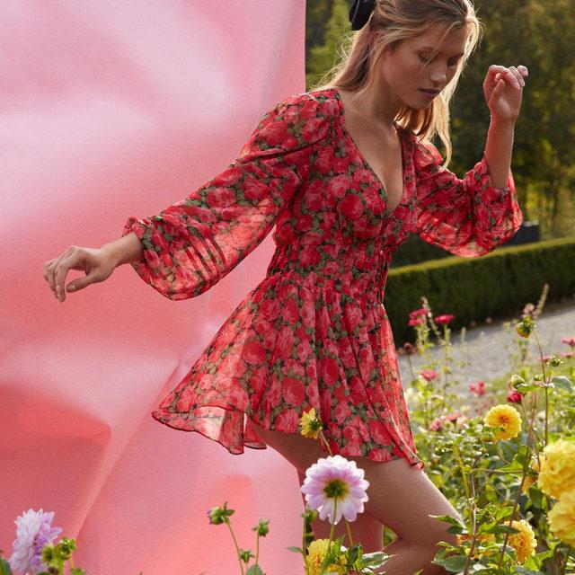 FL&L florals bloom year-round // The Madeline Robe
