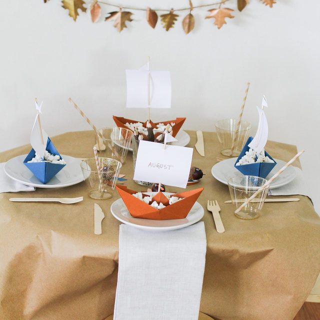 Thanksgiving might look a bit different this year, but you can still create a fun at-home atmosphere for everyone to enjoy. Head to the link in our bio for this fun DIY idea for decorating your kids' Thanksgiving table (📷:@trishasprouse)