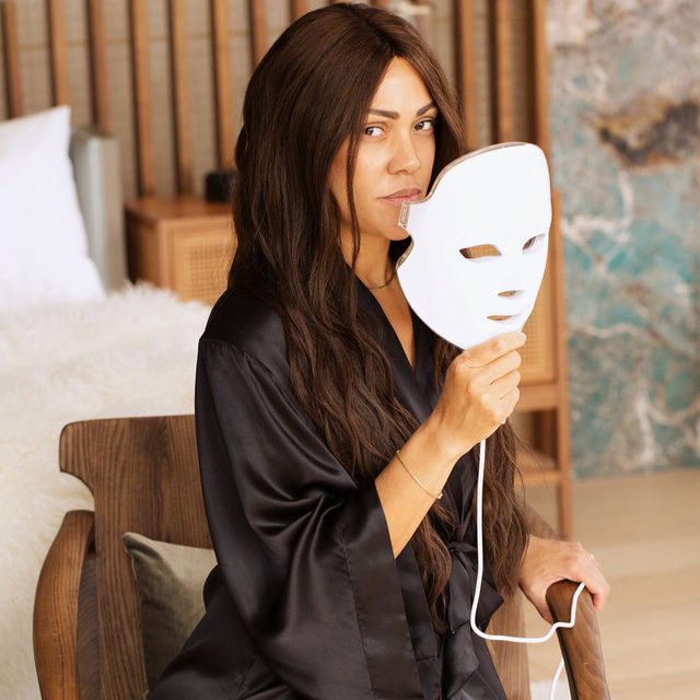 The ultimate Quarantine accessory, The Dessse Pro Mask. Over 700 medical-grade LED lights, with 6 targeted treatment modes. This is THE device for the skincare obsessed!! ✨  ⠀⠀⠀⠀⠀⠀⠀⠀⠀ If you know me, you know I start my day with 20 minutes of 🔴 Red light to prevent the signs of aging. 🔵 Blue light kills bacteria & fights breakouts. 🟢 Green light helps reduce hyperpigmentation & evens the complexion. ⠀⠀⠀⠀⠀⠀⠀⠀⠀ For a limited-time only, you can shop the Deesse Pro Mask at 20% off on shanidarden.com!! ✨#SkinByShani