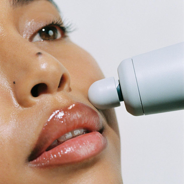The Precision Ball: this attachment treats the smaller, finer areas of the face, such as crow's feet & nasolabial lines. Target & fight fine lines around the eyes, lips & mouth for a more tightened appearance. ✨ ⠀⠀⠀⠀⠀⠀⠀⠀⠀ My Facial Sculpting Wand uses gentle sound waves to stimulate muscles deep below the skin's surface. This spa-grade treatment targets fine lines & wrinkles at their origin for tighter, smoother skin - one pulse at a time! ✨  ⠀⠀⠀⠀⠀⠀⠀⠀⠀ Questions about my new Facial Sculpting Wand? Ask me below! You can tap to shop my Facial Sculpting Wand or click the link in my bio! #SkinByShani