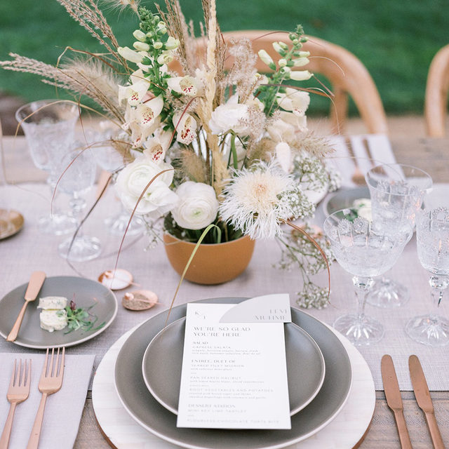 So in love with this @kestrelpark wedding with our #beckettlinen table runner in Pebble 🌾 More proof that 'plan B' can still knock your socks off 🤍 Planning & Design @jacquelinehallgarth Florals @oftheflowers Photography @jennyquicksall Featured on @martha_weddings  #latavolalinen #transformyourtable #microwedding  #bohostyle #bohowedding #modernboho #farmtable #outdoorwedding #bbjlt #bettertogetherbbjlt #neutralcolors #californiawedding #santaynez