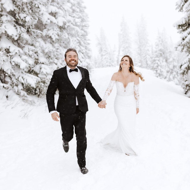 Celebrating one year full of #love in a winter wonderland! This #PronoviasBride relived her special day wearing her dream dress. #Pronovias #LoveConquersAll @bblewisville @carlybutlerphoto @theblacktux