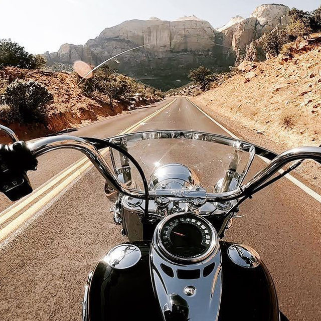 Weekend cruisin' on a #HeritageClassic. #HarleyDavidson