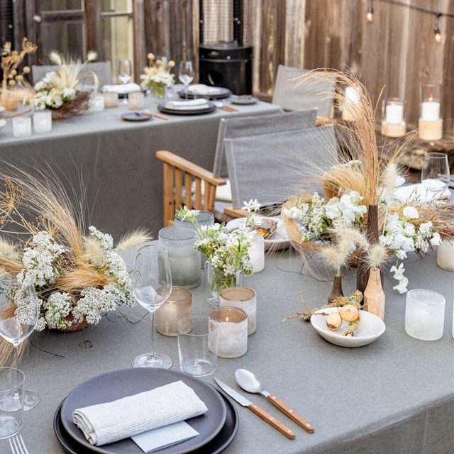 Swooning over this Inverness inspired #wedding from @jessetombs and @studiomondine 🌾Can't get enough! With our #lukelinen in Smoke 🌪🕯 Photography @sarahfalugoweddings   #latavolalinen #latavola2020ss #transformyourtable #bbjlt #bettertogetherbbjlt #invernessinspired  #microwedding #grey #greywedding #modernbride #sfbride #nuetralcolors #olema #sanfrancisco #pointreyes #bayarea