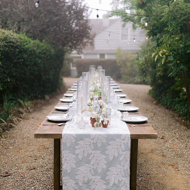 Can't get enough of this view of our #georgialinen table runner in Powder 🤩🤩🤩 Loving the fog and all the greenery around the table 🌫️🌿Such loveliness! From @anastasiaandenmatten 🙌 Photography @apollofotografie  #latavolalinen #latavola2020ss #tablerunner #bbjlt #bettertogetherbbjlt #farmtable #woodtable #alfrescodining #dinnerparty #microwedding #sanfranciscowedding #onelongtable #sanfrancisco