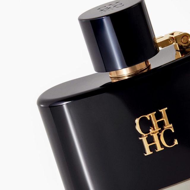 CH Men Privé is a luxurious sensorial journey of whiskey and leather, mirrored in the sleek black lacquer bottle which is inspired by a classic hip flask. #CHCarolinaHerrera