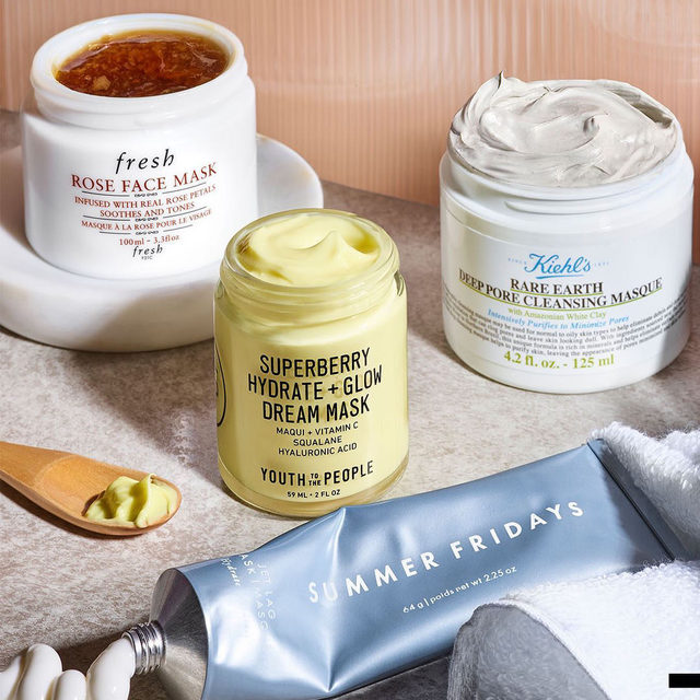 Sometimes self-care is opening up all of your masks to decide which one you want to use 🥰️ Which are you reaching for tonight? . . .  @freshbeauty Rose Face Mask  @kiehls Rare Earth Deep Pore Cleansing Mask  @youthtothepeople Superberry Hydrate + Glow Dream Mask with Vitamin C  @summerfridays Jet Lag Mask