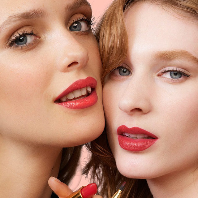 Friends who #HerreraBeauty together, stay together. Create a (t)winning look with our Sheer lipstick in Pinky Peanut (color n° 181). Formulated to create an intensely pigmented veil of luminous color that lasts for hours, it'll stay put -  Whatever you decide to get up to... Shop it exclusively online at carolinaherrera.com for Spain and the UK.