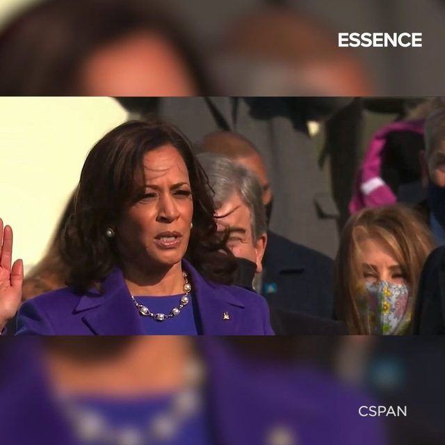 Anything is possible, Vice President @kamalaharris officially sworn into office. A black woman from Oakland, Ca is our MVP- let that soak in. Tap 🔗 in bio for full run down. #ESSENCE