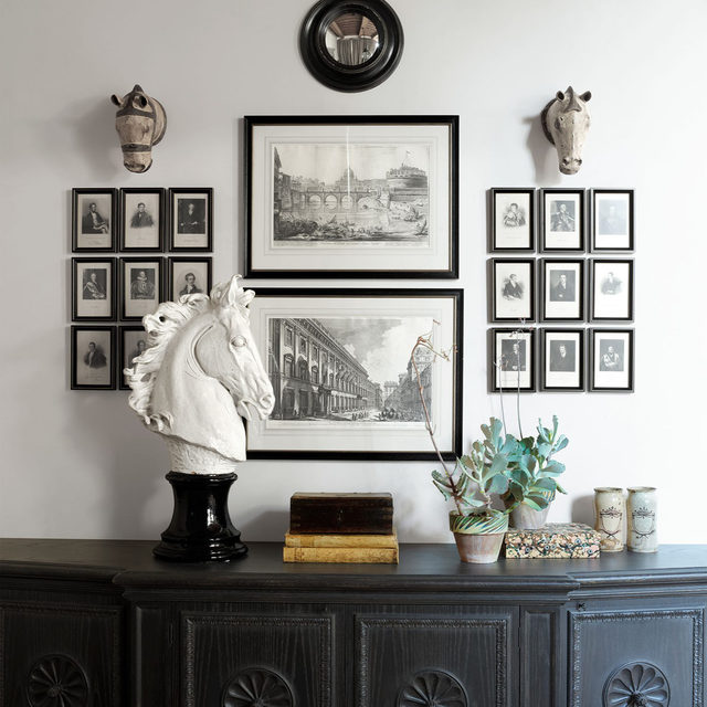 Crafted from a long, wide loggia, the study of a 16th-century Tuscan villa designed by Hubert Zandberg (@hubertzandberginteriors) is an airy rectangle that seems Florentine in its simplicity. Above a custom console hang two framed works by Giovanni Battista Piranesi (center) and pictures of eminent men. Click the link in bio for the full tour as seen in our Jan/Feb 2021 issue. Written by Nancy Hass, produced by @cynthiaefrank, photography by @simonuptonphotos.