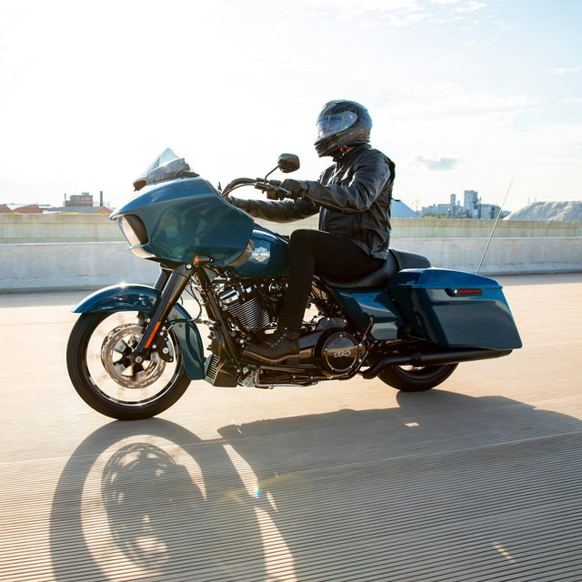 A factory-custom bagger with highway-shredding power, in a blacked-out or chrome finish. Get a closer look at the 2021 #RoadGlideSpecial at the link in our profile. #HarleyDavidson