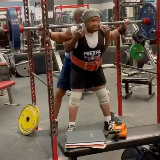 Exercisers Who Inspire Us: Nora Langdon  @Jazzienora is a 78-year old weightlifter whose personal bench pressing best is 423 lbs (here she is squatting 350 lbs).  She's been on the championship circuit for years, winning several awards, and currently holds 19 world records (!). While she wasn't able to compete this past year due to Covid safety measures, she's still practicing and we can't wait to see what she does next.  📸: @mzsmeka, via @mysunday2sunday
