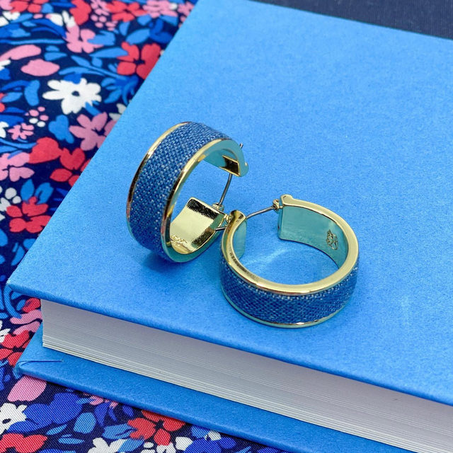 There's more than one way to wear chambray. Case in point: these blue beauties from our new spring jewelry collection ✨ #djchambray