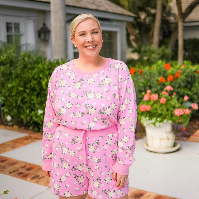 """""""I love this fun, floral and size-inclusive lounge set,"""" style blogger @simply_elsa says of our Magnolia loungewear, available in XS-3X. """"To say I'm obsessed is an understatement!"""" ☺️🌸 #draperjamesathome"""