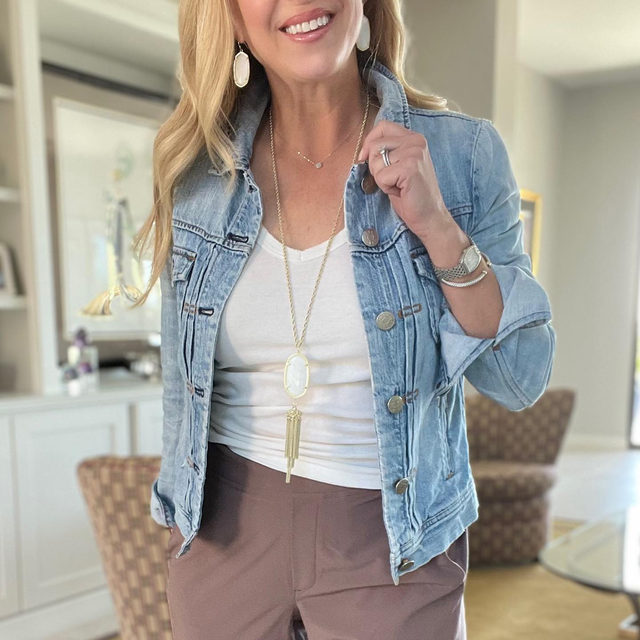 {The Everyday Pant} I know pants are so hard to find!  That's why I'm so happy I found this super cute, stylish pants to Re-Fresh my wardrobe with this spring! Here is a look at my favorite athleta Brooklyn Ankle Pant! Lightweight, true to size and comes in a bunch of cute colors... some on sale too!  In my opinion, these are even sturdy enough to take on our Arizona summers! 🥵🌵🔥  #refreshbymarci #athleta #summerpants #momstyleinspo #jeanjackets http://liketk.it/39vx6 #liketkit liketoknow.it #LTKSeasonal You can instantly shop all of my looks by following me on the LIKEtoKNOW.it shopping app and look up Re-Fresh Style
