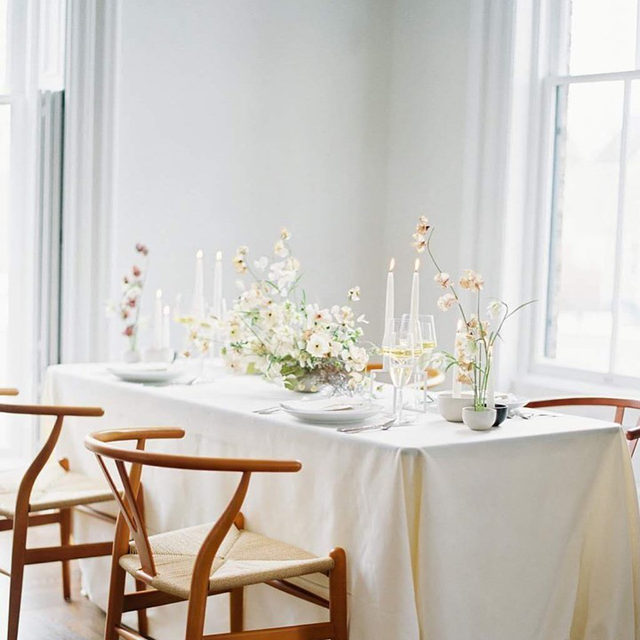 Whites and creams and wishbone chairs 🍨🍦🧁 Pretty much a dessert in table form 🤍 Swoon-worthy work by @sarahrhodesboyceweddings and @katie_wachowiak with our #tuscanylinen in Eggshell 📷 @jakeandersonphoto  #latavolalinen #transformyourtable #bbjlt #bettertogetherbbjlt #simplisticbeauty #neutralcolors #whitewedding #whiteandivory #dreamwedding #tablescape #onthetable #wisconsin #wisconsinwedding #linen #naturallinen