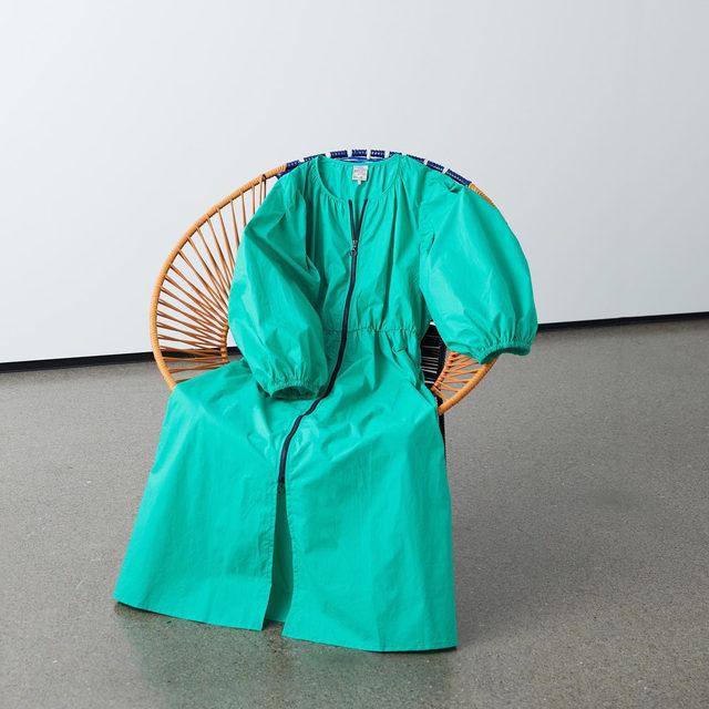 Sitting pretty ☘️ Our zip-up cotton dress updated for SS21 in gumdrop green   #BaumFamily #BaumundPferdgarten