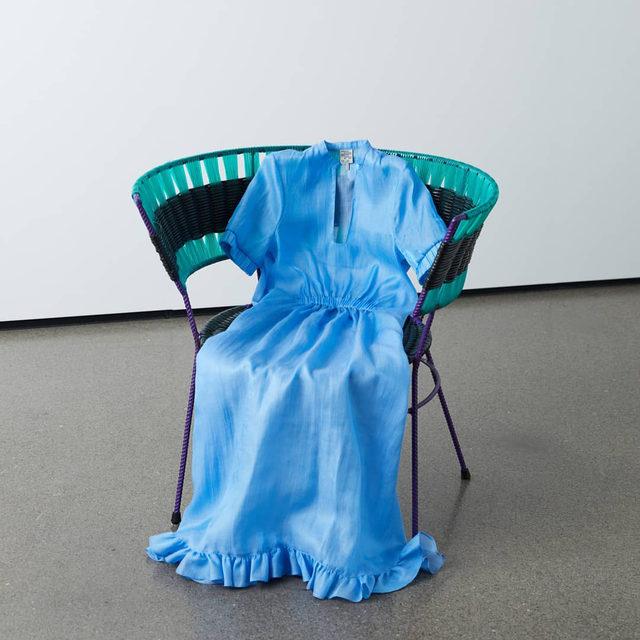 Sitting pretty 💙 Our new flowing maxi dress with a ruffled hem in iridescent blue  #BaumFamily #BaumundPferdgarten