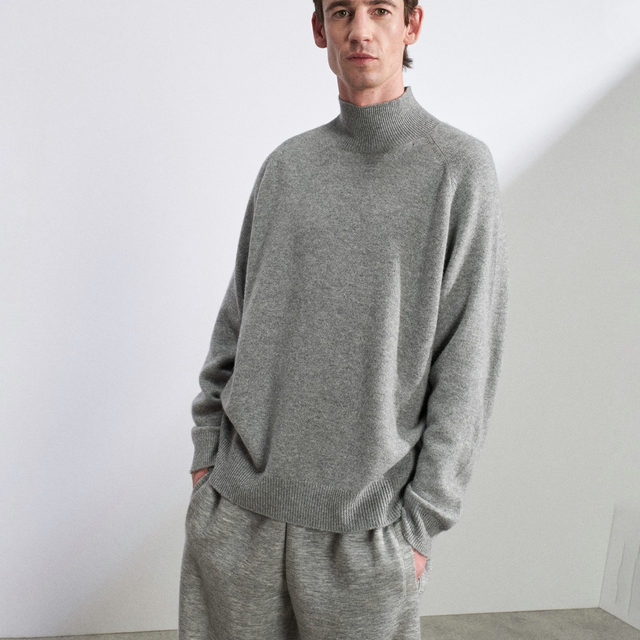Super soft grey-marl cashmere 🙌   Loose-fit funnel-neck cashmere knit with our cashmere-sweatshirting trackpants  Link in bio. #Raey