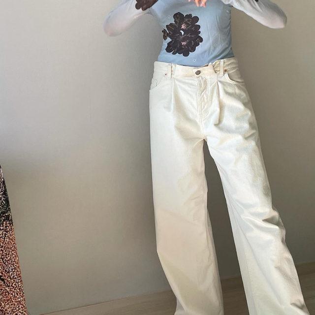 Wide-leg ❕@cooloorfull wears our Fold jeans #regram #RaeyDenim