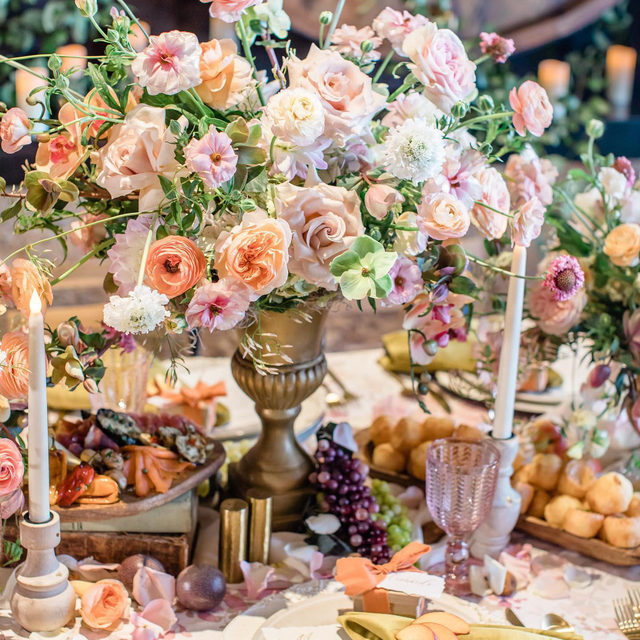 ALL. THE. FLOWERS. 🌸🌸🌸🌸🌸🌸🌸 An explosion of loveliness from @occasionsbybeaprescilla and @trendee_flowers with our #olivialinen in Blush and #velvetlinen napkin in Curry 💕Doesn't get much better 📷 @camilamargottaphoto  #latavolalinen #transformyourtable #bbjlt #bettertogetherbbjlt #flowers #flowerstagram #alltheflowers #floralpattern #velvetnapkin #sandiego #sandiegowedding #californiabride #californiawedding #pastelcolors #fruitonthetable