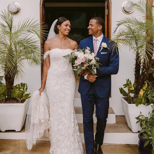 This stunning #PronoviasBride was featured on @thefuturemrs wearing the beautiful Rani dress ✨ Congratulations to the couple!  Bride @arianashordy Groom @errolbarnett Photography & Videography : @victoriaheerphotography Boutique: @lovecouturebridal   #LoveConquersAll