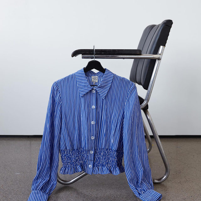A classic pin-striped shirt, updated with a fresh silhouette for SS21 💙  #BaumFamily #BaumundPferdgarten