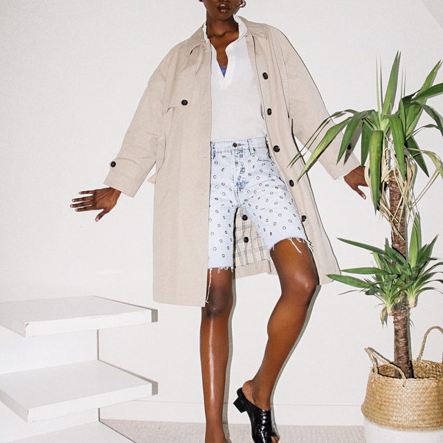 @lamich.kirabo reminding us that it really is spring, seen here wearing the Mac Coat, Emma Pullover, Le Slouch Bermuda Grommet and Le Beachwood Sandal.