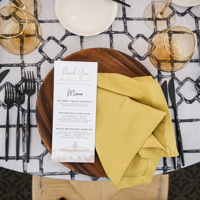 We are constantly in awe of the ingenious designs our talented partners come up with! This stunning place setting is a perfect example. An inspirational pairing of our Noir Eleuthera Table Linen and Gingko Sonoma Napkin. We couldn't love this combination more. 💛  Use the link in our bio to see more of these beautiful linen.  _________ Credits:  Planner: @michellegaribayevents, @carly_mgeweddings Photographer: @katenoelle Floral: @studio.palma Rentals: @borrowedblu, @theonicollection, @jakedukestudios Paper Goods: @pirouettepapercompany Venue: @thecasinosc