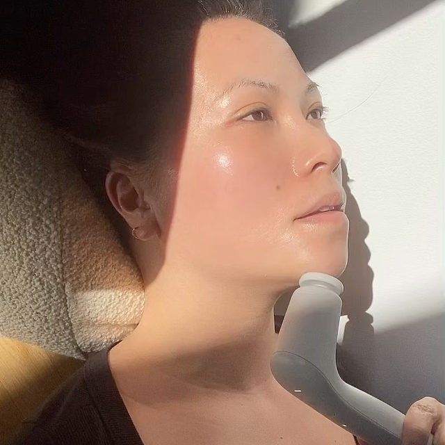 This moment @namvo created, is the luxuriation we all need in our life. Anyone else agree? ✨😍  Not only do the soothing vibrations of my Facial Sculpting Wand target wrinkles at their origin (deep below the skin's surface), but it's a simple & relaxing routine that can be done from anywhere. The sofa, at work, on-the-go, or even your bed.   Make vibration therapy apart of your daily routine. The Facial Sculpting Wand is now available online at @sephora (and included in their Spring Savings Event!), tap to shop or click the link in my bio ✨ #SkinByShani #Sephora