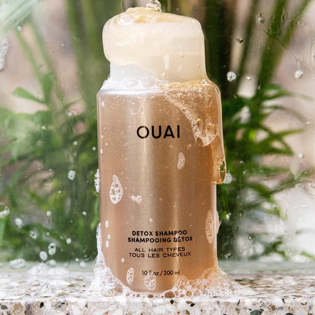 "From our friends at @theouai: ""Overdid it last week? Time for a Detox 🛁 OUAI's Detox Shampoo is formulated with apple cider vinegar to give your scalp a deep cleanse. Get rid of all the oil, dirt and product buildup so you can leave with clean and healthy hair.  available at Sephora"""