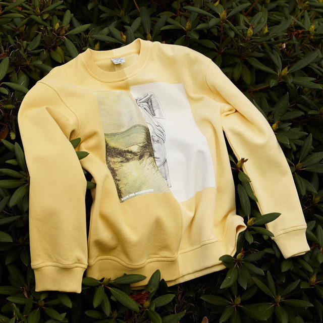 GIVEAWAY: 100 FREE PRINTS 💛  To celebrate the launch of 'The Local Escape', we're giving away 100 limited edition signed prints, as seen on our two-tone yellow sweater, with the first 100 online orders of our new collection  Featuring an exclusive illustration by Danish artist @sinejensenjensen, each A4 print has been numbered and signed by our Founding Creative Directors @rikkebaum & @hellehestehave  #BaumFamily #BaumundPferdgarten